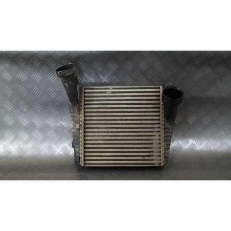 Intercooler lewy 7L6145803D...