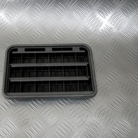Rear ventilation grille...